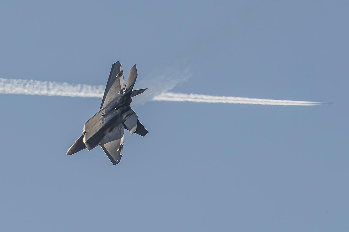 IMAGE: http://markfingar.com/photogallery/Aircraft/2-14-17_p_lr.jpg