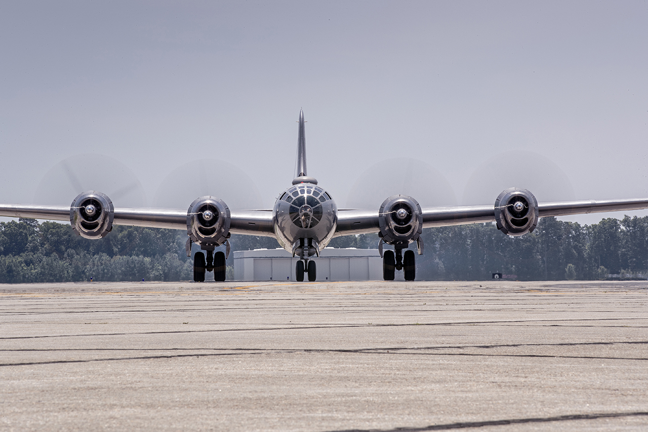 IMAGE: http://markfingar.com/photogallery/Aircraft/FIFI/FIFI_ff.jpg