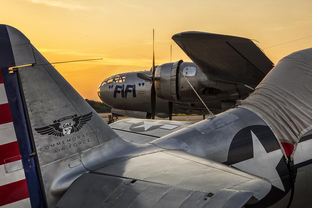 IMAGE: http://markfingar.com/photogallery/Aircraft/FIFI/FiFi_39.jpg