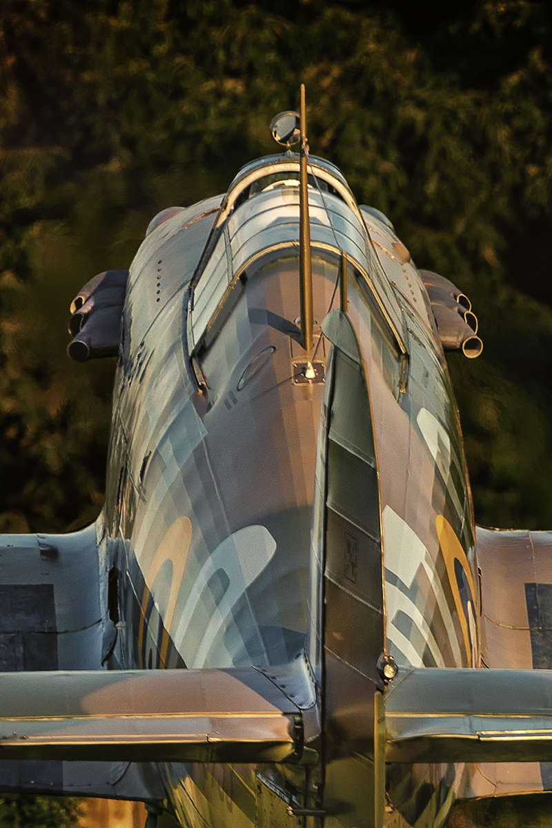 IMAGE: http://markfingar.com/photogallery/Aircraft/MAM_2017/HH-7.jpg
