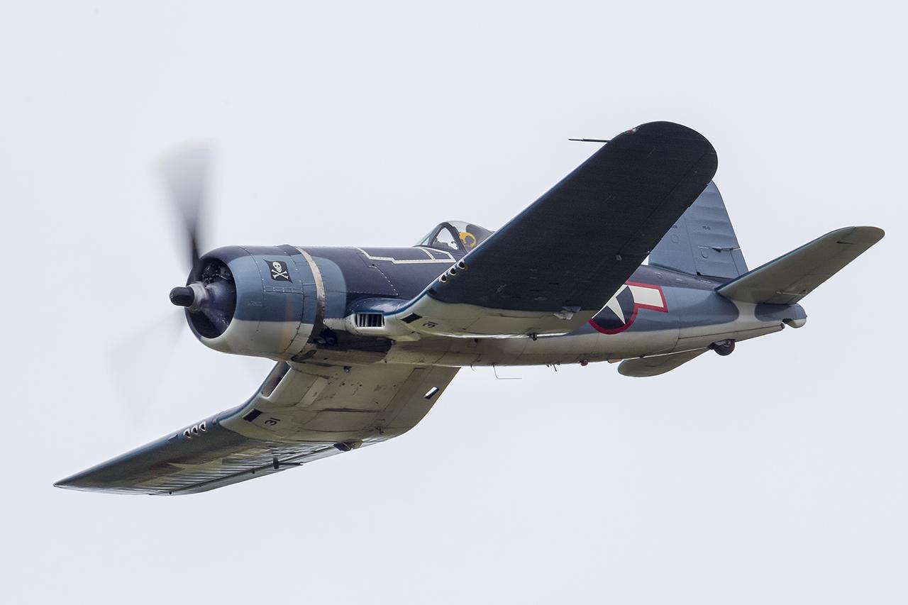 IMAGE: http://markfingar.com/photogallery/Aircraft/MAM_WOTB_2016/Corsair_fb.jpg