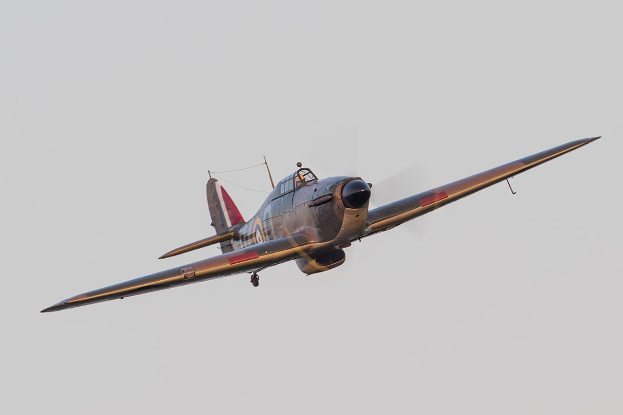 IMAGE: http://markfingar.com/photogallery/Aircraft/MAM_WOTB_2016/Proms/HH_fb.jpg
