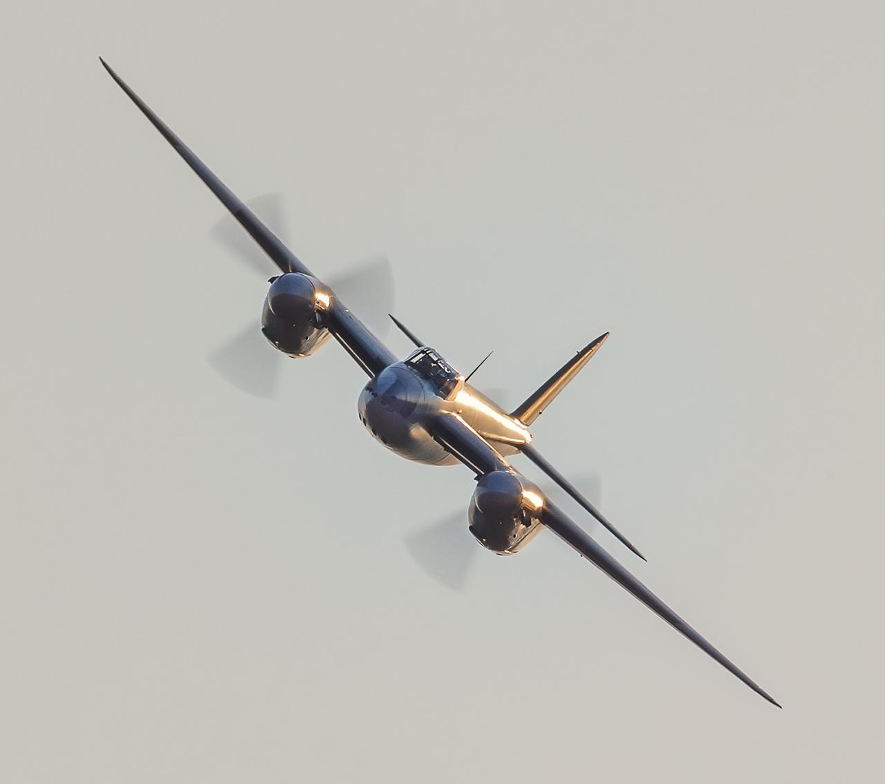 IMAGE: http://markfingar.com/photogallery/Aircraft/MAM_WOTB_2016/Proms/Mos-fb1.jpg