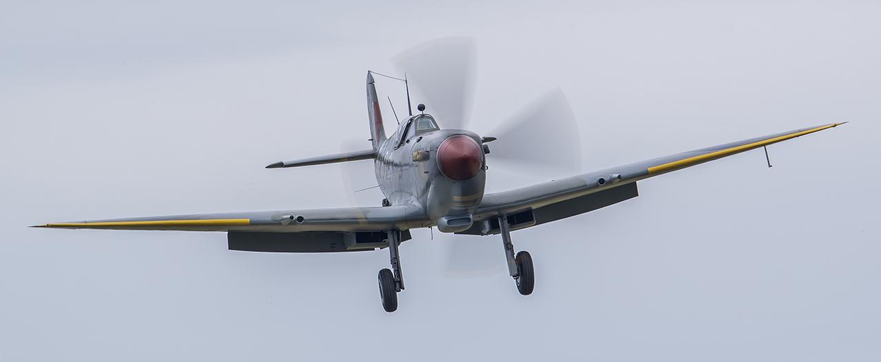 IMAGE: http://markfingar.com/photogallery/Aircraft/MAM_WOTB_2016/Spit_Approach.jpg