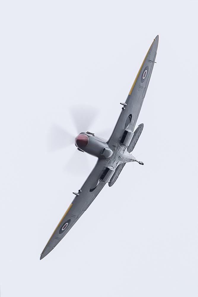 IMAGE: http://markfingar.com/photogallery/Aircraft/MAM_WOTB_2016/Spit_fb-1.jpg