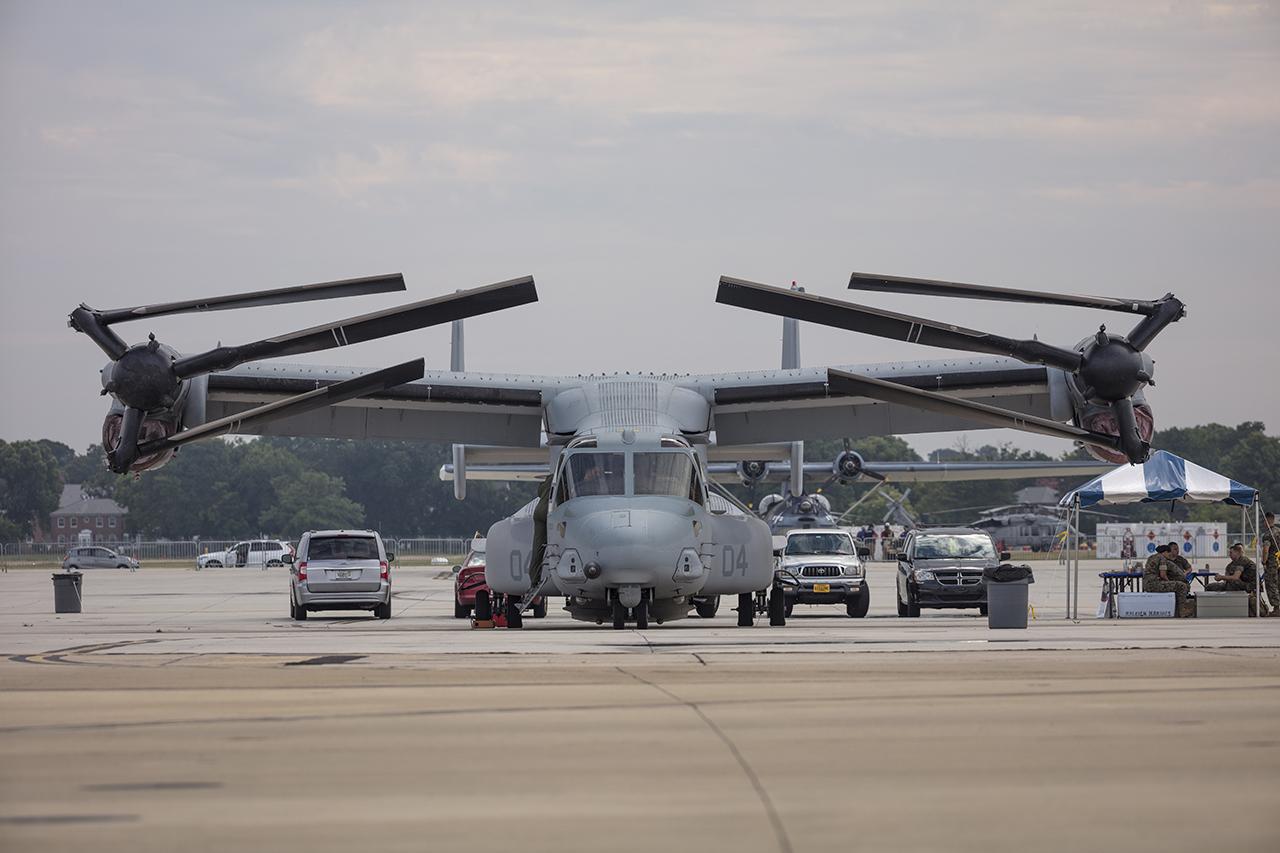 IMAGE: http://markfingar.com/photogallery/Aircraft/Norfolk_100/before-.jpg