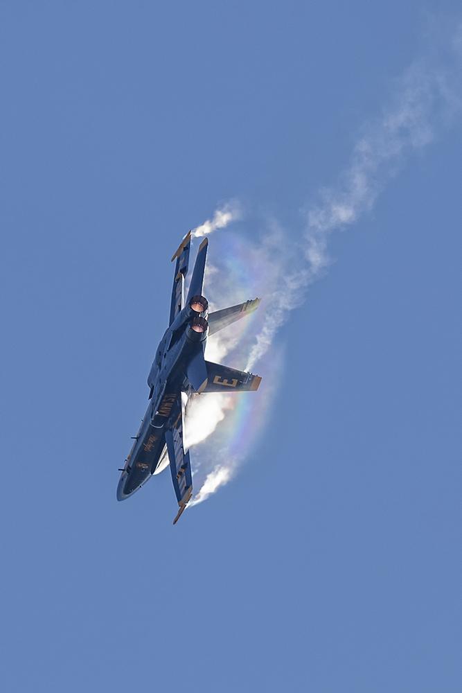 IMAGE: http://markfingar.com/photogallery/Aircraft/OCEANA_2015/BLUES_Oceana_2015_5.jpg