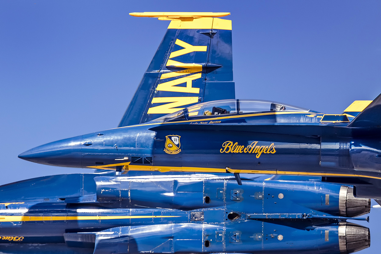 IMAGE: http://markfingar.com/photogallery/Aircraft/OCEANA_2015/Blue_Angel_90b.jpg