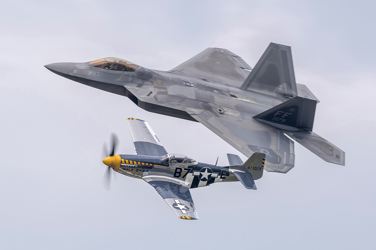 IMAGE: http://markfingar.com/photogallery/Aircraft/OCEANA_2016/hertflght1.jpg