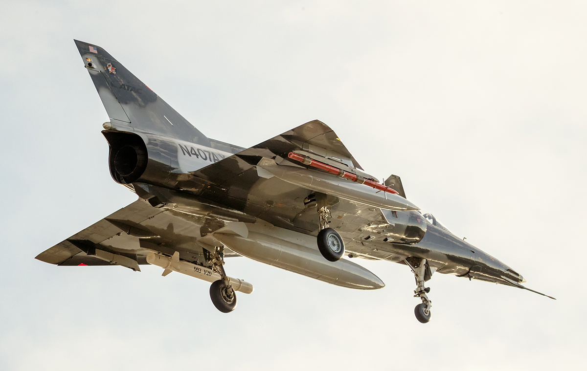 IMAGE: http://markfingar.com/photogallery/Aircraft/PHF12116/KFIR-C2-1_lr.jpg
