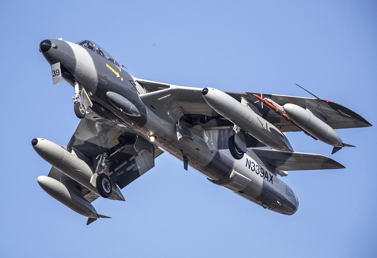 IMAGE: http://markfingar.com/photogallery/Aircraft/PHF12116/PHF_12116_3.jpg