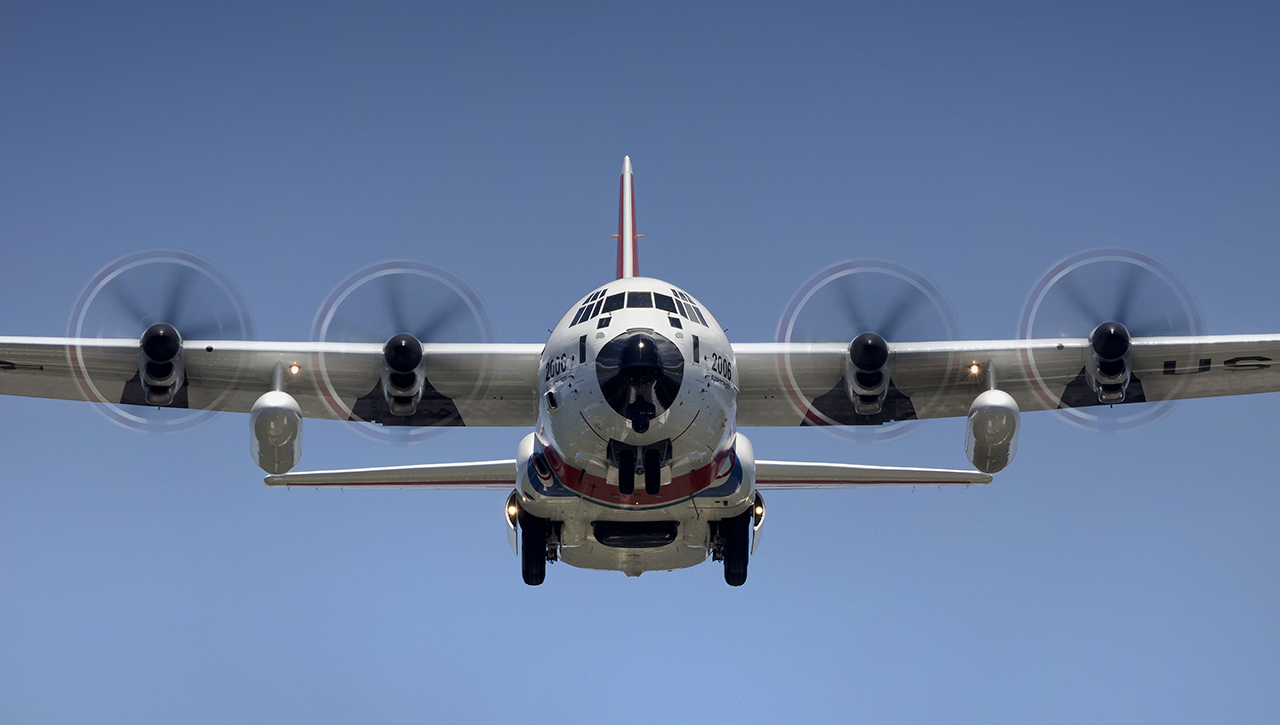 IMAGE: http://markfingar.com/photogallery/Aircraft/PHF12116/PHF_62617_3.jpg